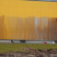 02-fassadenreinigun-rostock-beseitigt-graffito-graffitibeseitigung-rostock-wellblechfassade