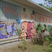01-plexiglas-graffitibeseitigung-rostock-graffiti-entfernen-fassadenschutz
