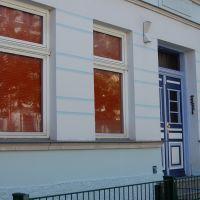 09-Graffitientfernung-in-Rostock-Garagentor-Fassade-reinigen-Farbe-einlesen