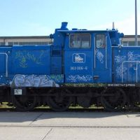 01-lok-ddr-in-rostock-gereinigt-graffitbeseitigung-denkmal-zug-graffiti-entfernung