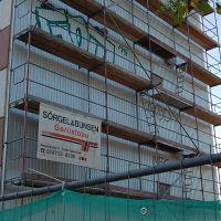 01-Graffiti-von-Wellblech-fachgerecht-entfernen-Schwerin