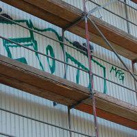 02-Graffiti-von-Wellblech-fachgerecht-entfernen-Schwerin