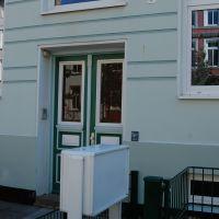 010-Graffitientfernung-in-Rostock-Garagentor-Fassade-reinigen-Farbe-einlesen