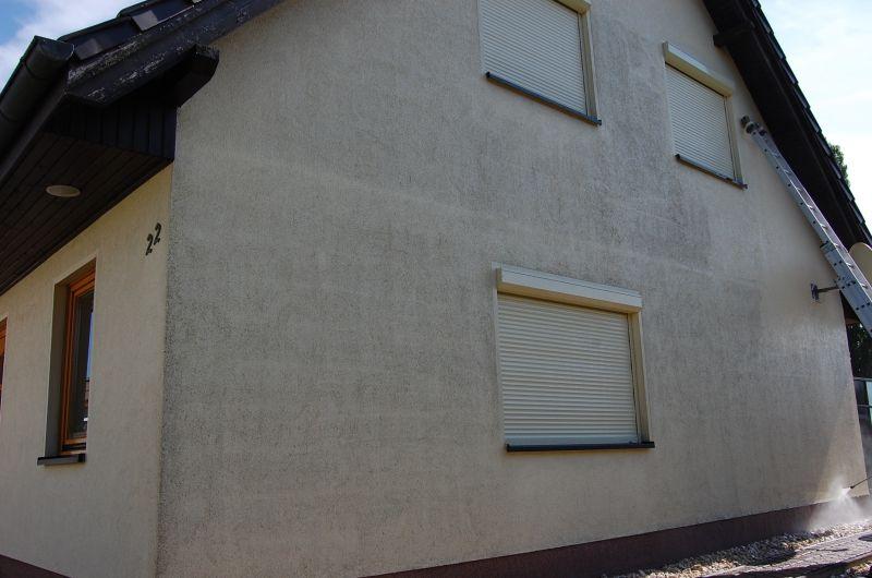 fassade einfamilienhaus mit hochdruckreiniger abwaschen reinigen rostock
