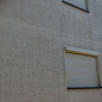 01-WDVS-Fassade-Einfamilienhaus-mit-Hochdruckreiniger-abwaschen-reinigen-Rostock