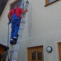 04-WDVS-Fassade-Einfamilienhaus-mit-Hochdruckreiniger-abwaschen-reinigen-Rostock